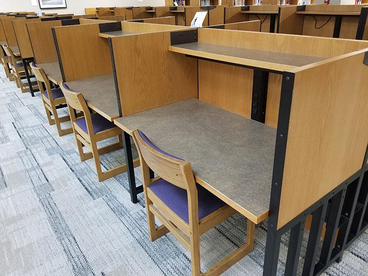 Library student spaces - individual student desks