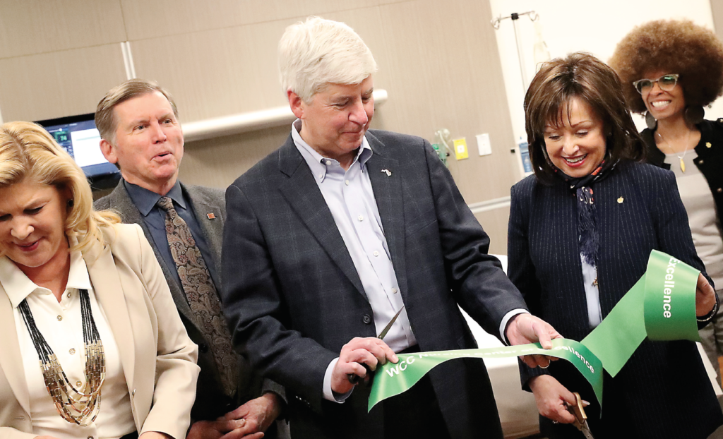 Gov Snyder and President Bellanca cut ribbon on nursing department's new simulation labs